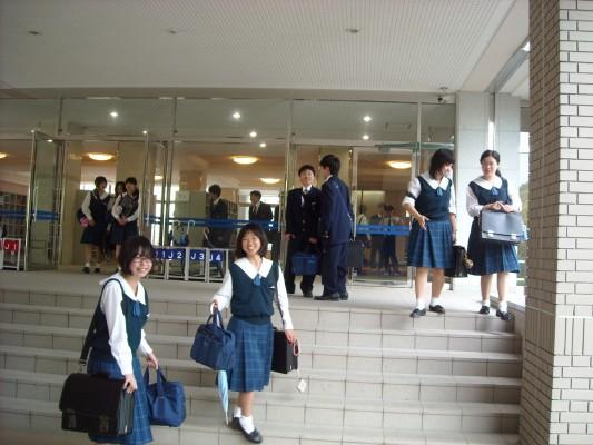 白陵高等学校画像